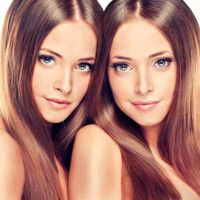 髪が綺麗な二人の女性の画像